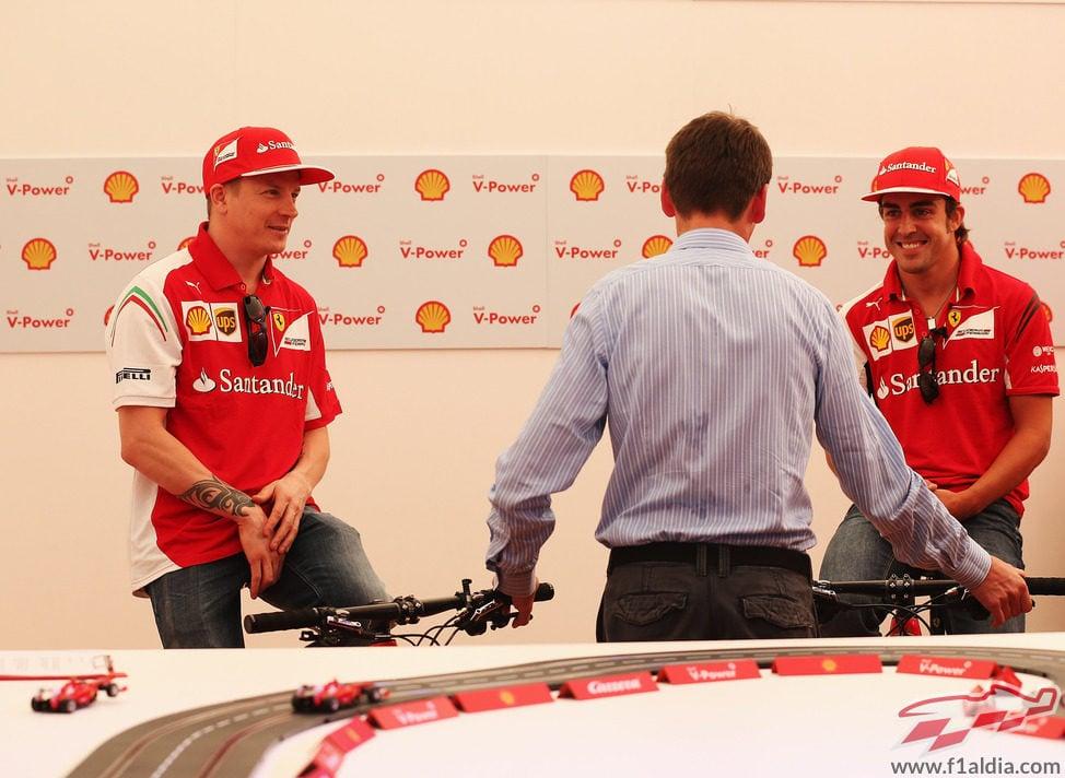 Evento de Shell para Fernando Alonso y Kimi Räikkönen