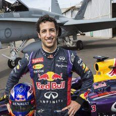 Daniel Ricciardo visita la Royal Australian Air Force