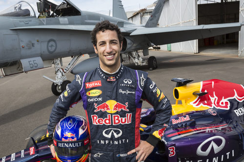 Daniel Ricciardo visita la Royal Australian Air Force