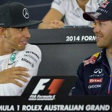 Sebastian Vettel y Lewis Hamilton en la rueda de prensa de la FIA