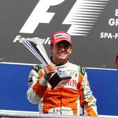 El trofeo de Fisichella