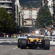 Alonso lleva el R29 por Oviedo