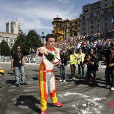 Alonso con el champán