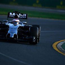 Jenson Button se muestra cauto en Australia
