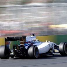 Felipe Massa rodando sin problemas en Albert Park