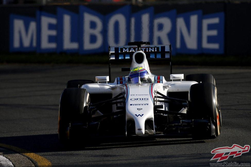 Felipe Massa con buen ritmo y sin problemas