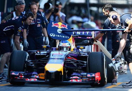 Sebastian Vettel hace un pit-stop