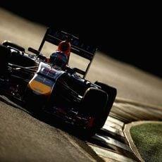 Sebastian Vettel trazando una curva de Albert Park