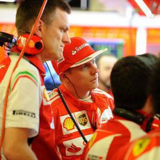 Kimi Räikkönen, junto a James Allison