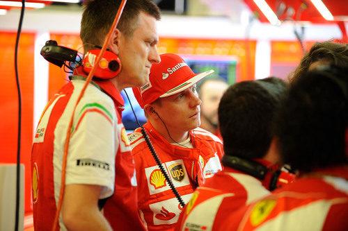 Kimi Räikkönen, junto a James Allison