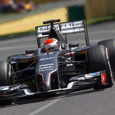 Adrian Sutil tuvo problemas en la caja de cambios
