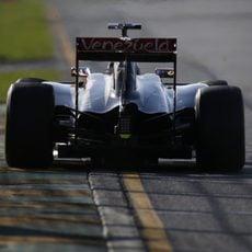 Romain Grosjean acabó el día con bandera amarilla