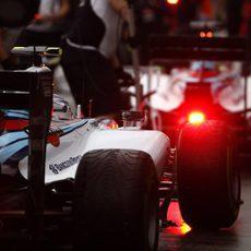 Valtteri Bottas llega a boxes en Albert Park