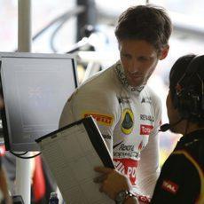 Explicaciones para Romain Grosjean en el box
