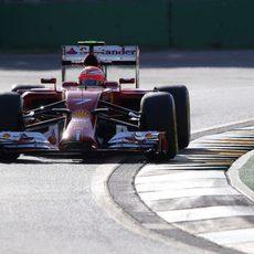 Kimi Räikkönen brilla bajo el sol de Albert Park