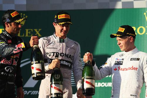 Rosberg, Ricciardo y Magnussen en el primer podio del año