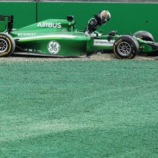 El GP de Australia duró muy poco para Kamui Kobayashi