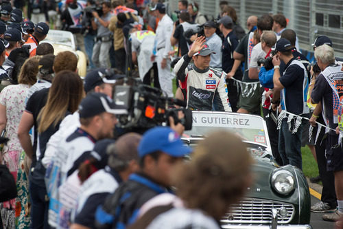Esteban Gutiérrez en el driver's parade