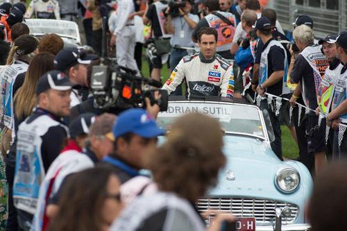 Adrian Sutil en el driver's parade