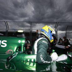 Marcus Ericsson a punto de empezar la carrera