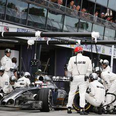 Parada en boxes de Jenson Button