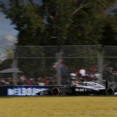 Jenson Button al final alcanzó el podio