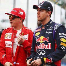 Sebastian Vettel y Kimi Räikkönen, antes de la carrera