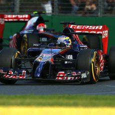Los dos Toro Rosso juntos en la recta final del Gran Premio de Australia