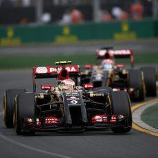 Pastor Maldonado al frente del equipo Lotus