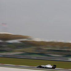 Felipe Massa rueda con los neumáticos duros