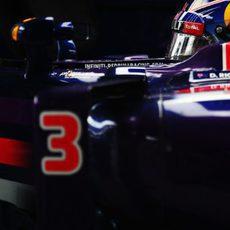 Primer plano de Ricciardo en su RB10