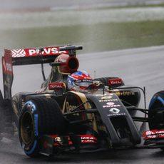 Lluvia extrema para Romain Grosjean en Sepang