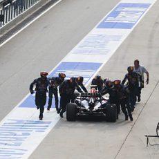 El equipo Red Bull recupera el RB10 de Daniel Ricciardo