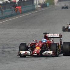 Sepang ofrece una cuarta plaza a Fernando Alonso