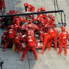Parada en boxes de Kimi Räikkönen