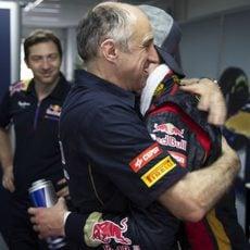 Franz Tost felicita a Daniil Kvyat