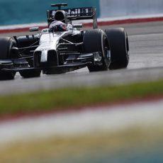 Jenson Button ha hecho una carrera impecable