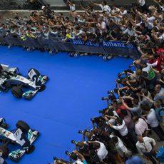 Gran recibimiento a los dos Mercedes en Malasia
