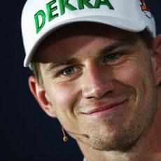Sonrisa de Nico Hülkenberg en rueda de prensa