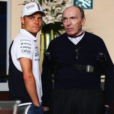 Valtteri Bottas, junto a Frank Williams