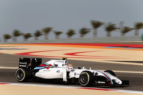 Felipe Nasr rueda con el FW36 en Baréin