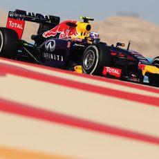 Daniel Ricciardo completa el programa con el compuesto medio