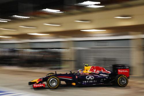 Salida de boxes de Daniel Ricciardo en Sakhir