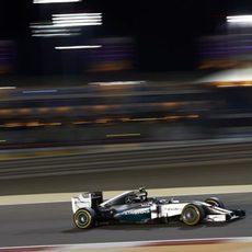 Segunda posición para Lewis Hamilton en Baréin
