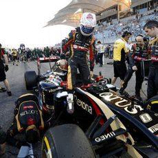 Romain Grosjean en la parrilla de salida