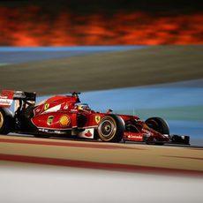 Fernando Alonso no tuvo mucho rendimiento en Baréin