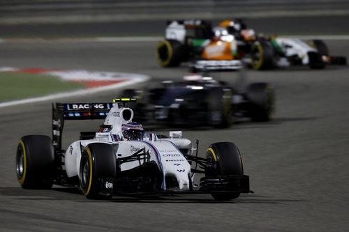 Valtteri Bottas perdió posiciones en carrera