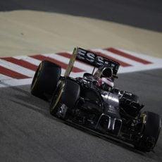 Abandono de Jenson Button en Baréin