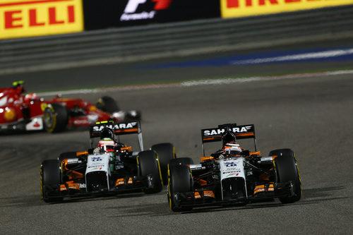 Pelea en pista entre Nico Hülkenberg y Sergio Pérez