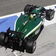 Marcus Ericsson sale de boxes con el CT05